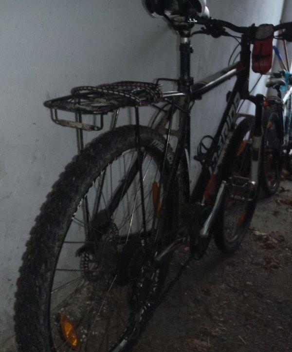 Viele teuren Bikes stehen in Einfahrten und ungesicherten Garagen herum. Für organisierte Banden ein gefundenes Fressen